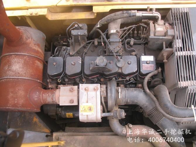 小松PC220-7发动机
