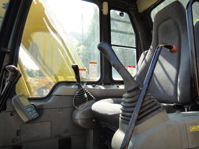 小松120-6驾驶室