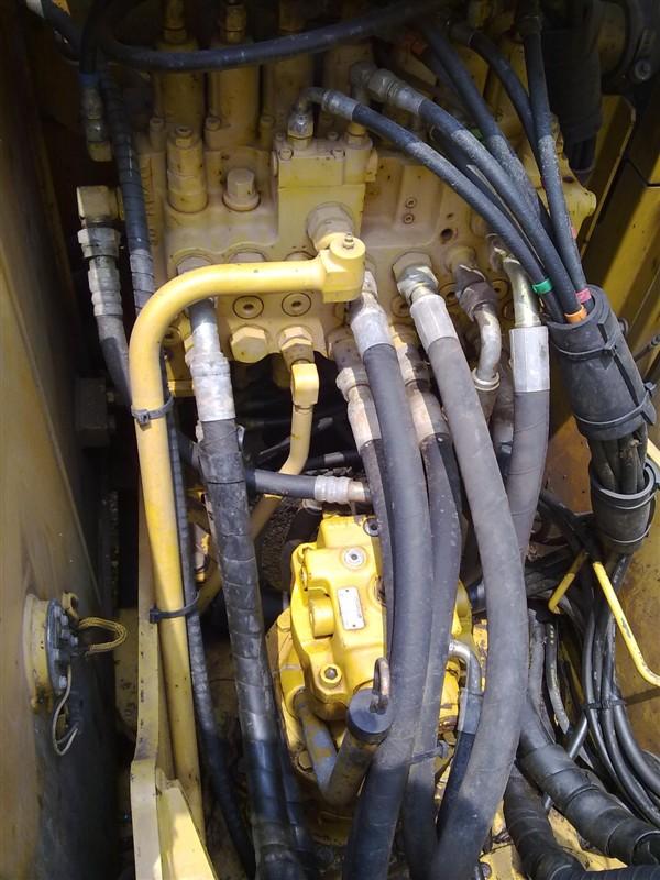 二手卡特312C挖机分配阀