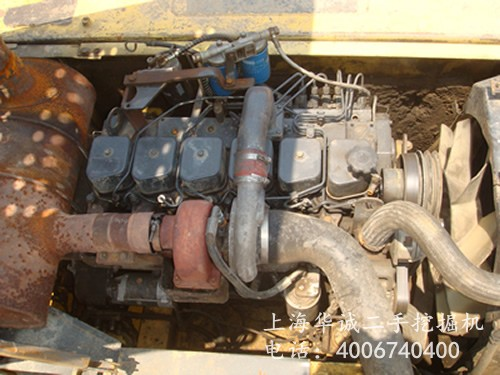 小松PC210-6发动机