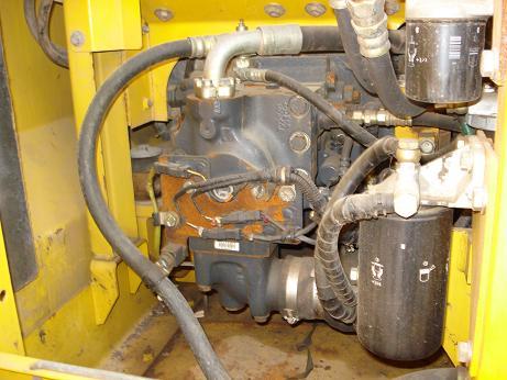 小松130-7液压泵